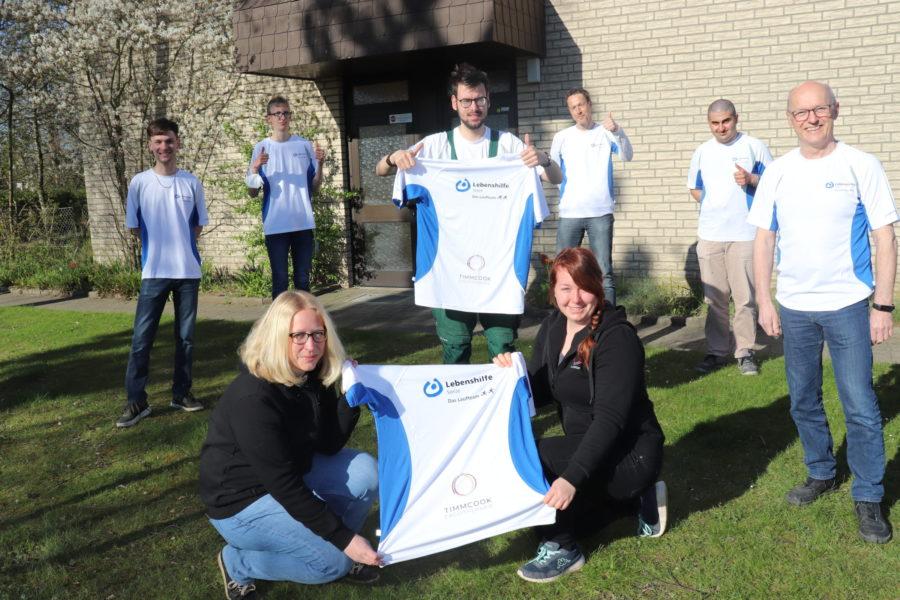Sponsoring: Ergotherapiepraxis spendet Lebenshilfe-Laufteam neue Trikots